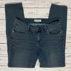 Free People Skinny Blue Jeans Size 28